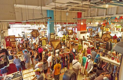 Artists & Flea Market