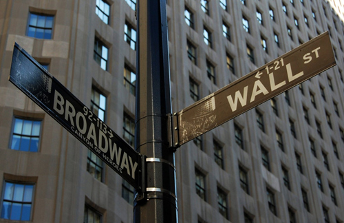 Intersection entre Broadway et Wall Street